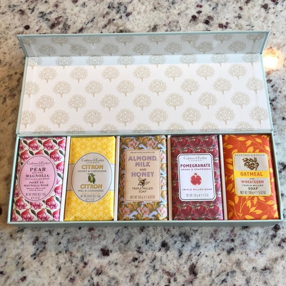 NEW IN BOX Crabtree & Evelyn Soap Gift Set